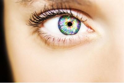 لنز طبی رنگی چیست 1
