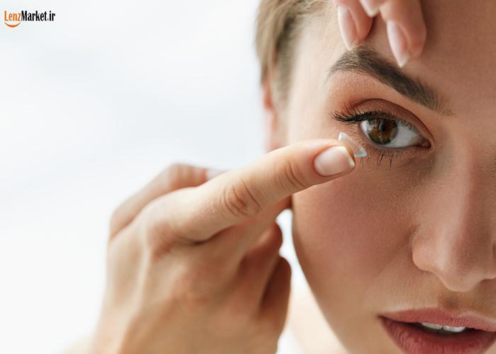 گذاشتن لنز