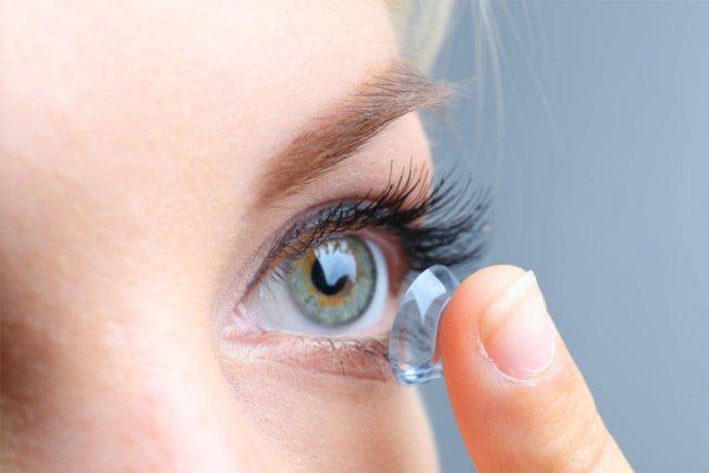 تاثیر رنگ چشم بر انتخاب لنز رنگی 2