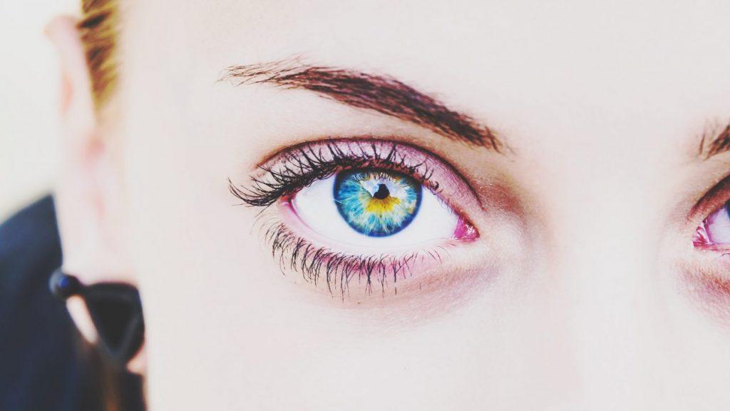 نکات لنز های رنگی
