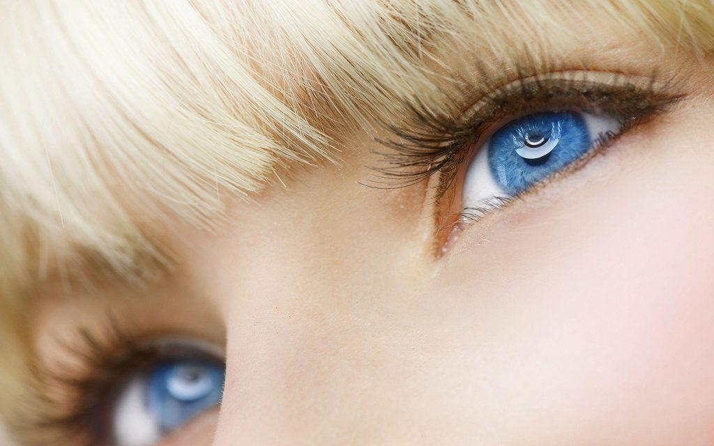 لنز رنگی زیبا