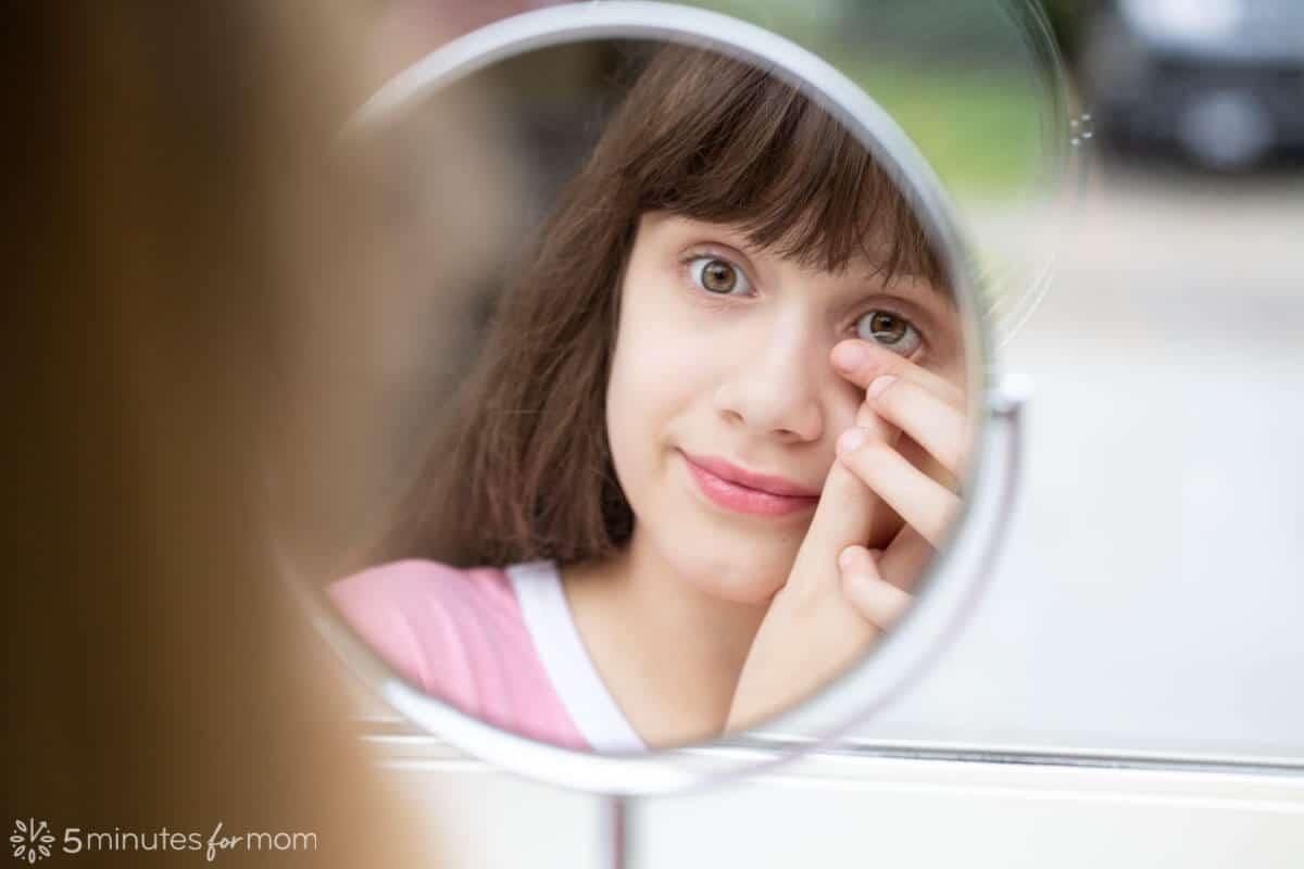 سوزش چشم هنگام استفاده از لنز