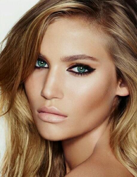 خرید لنز چشم برای پوست سبزه