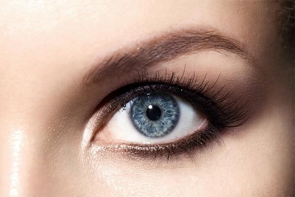 لنز رنگی مناسب پوست سفید