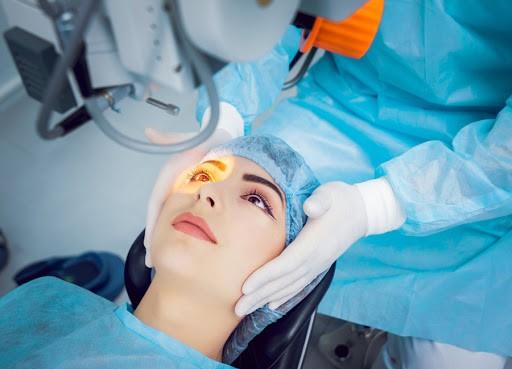 مراقبت های بعد از عمل لازک چشم
